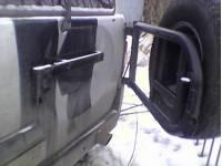 Кронштейн крепления запасного колеса на задней двери УАЗ Патриот не синхронная из нержавеющей трубы